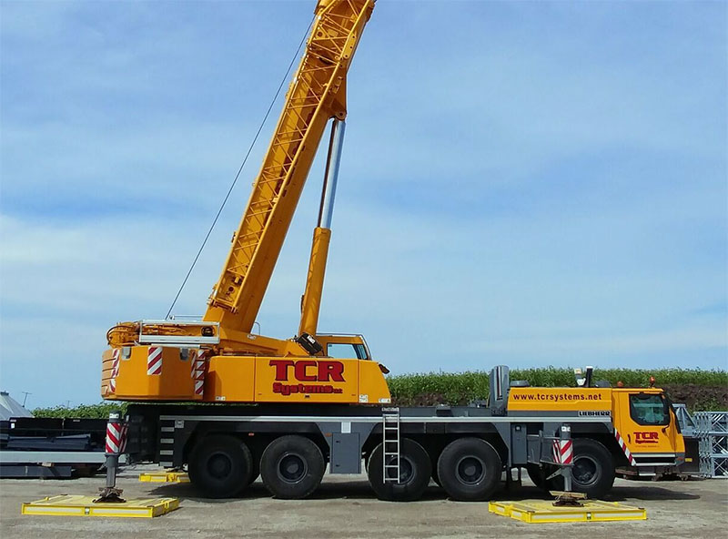 Crane Services Truck